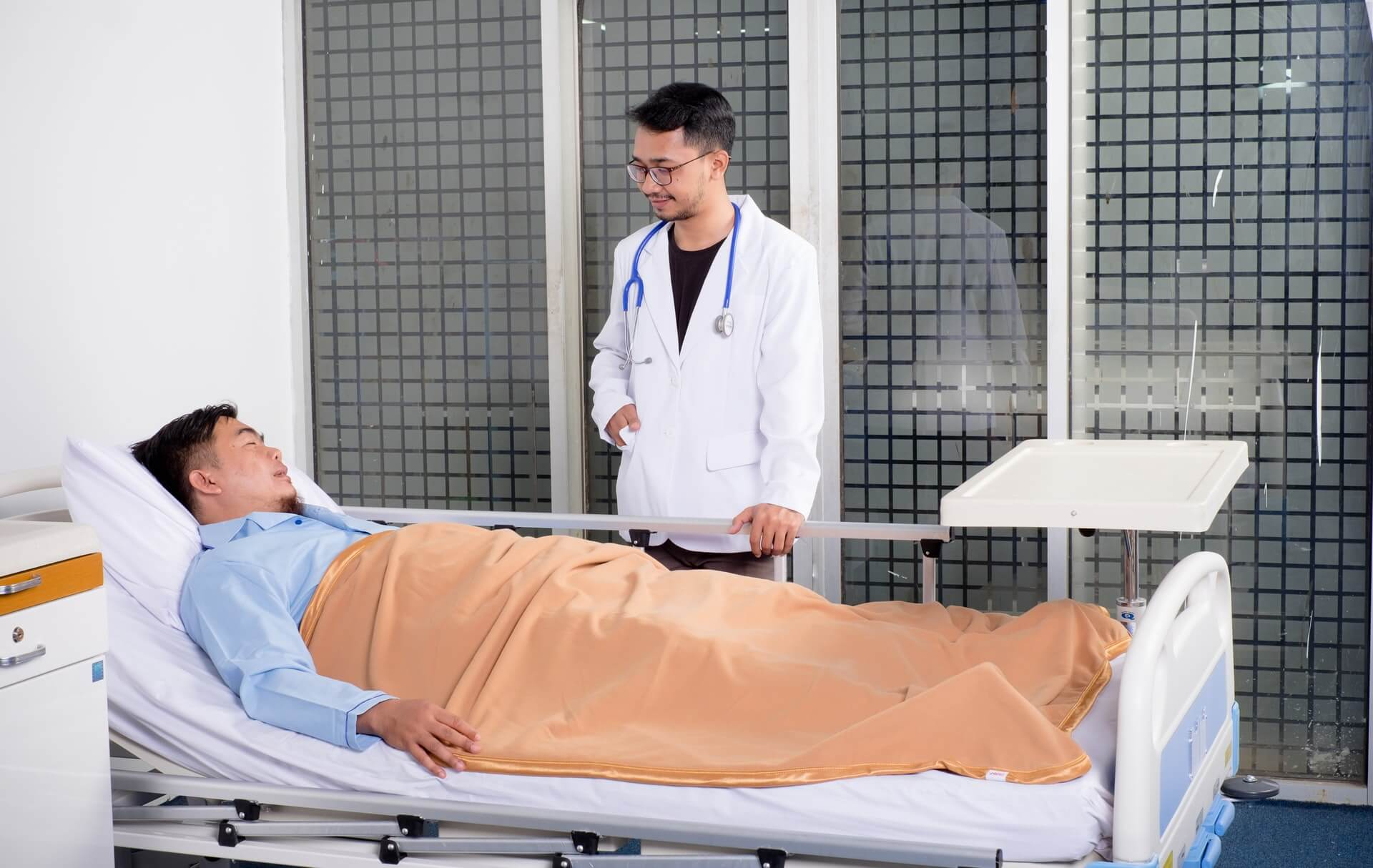 入院中の男性